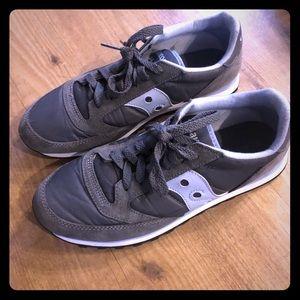 Women's Saucony tennis shoes